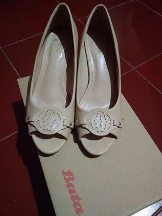 Sepatu wedges - open toes