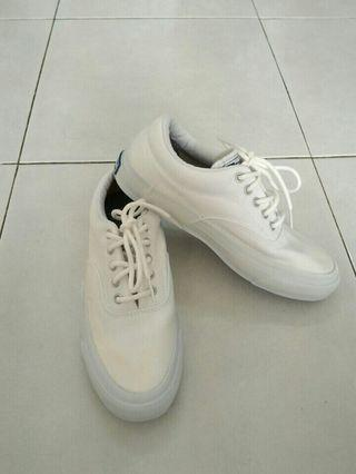Converse all white shoes kasut canvas lightweight