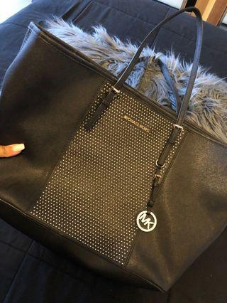 Micheal kors black bag