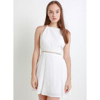 🚚 White Criss Cross Back Dress