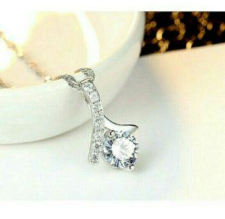 925 Sterling Silver Elegant Design Shiny Crystal Zircon Pendant Necklace