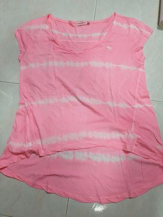 🚚 HollisterCo Pink T-shirt