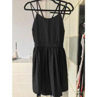 🚚 Black Lace Up Dress
