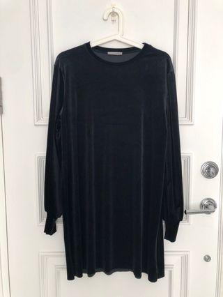 Zara black long sleeved velvet dress