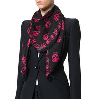 Alexander McQueen 骷髏全絲scarf **104 x 120cm** 正品全新