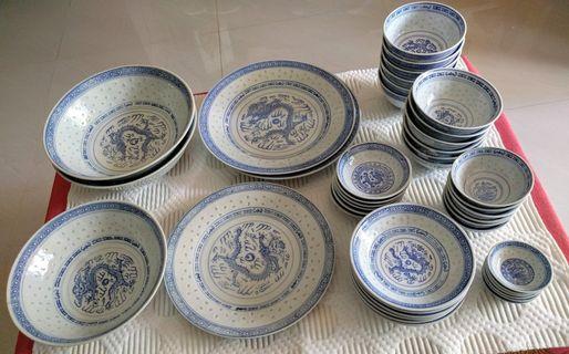 Jingdezhen 景德镇 rice pattern dinnerware