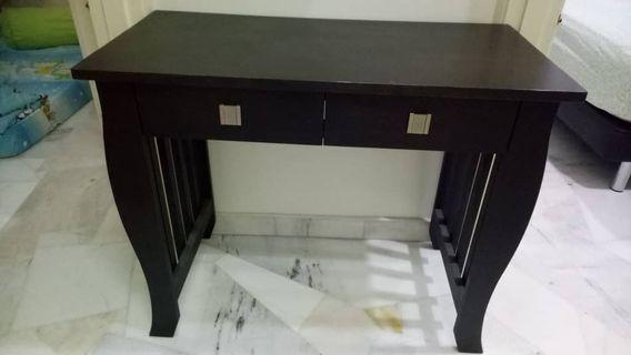 Display Table with 2 Drawers