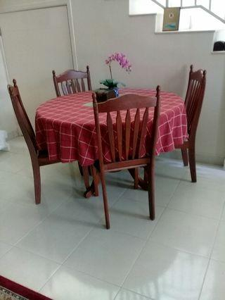 Round Dining Table/Meja Makan Bulat
