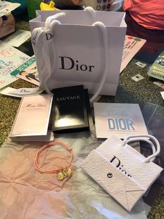 Chanel 手繩、大小紙袋、香水samplex2 、香水紙