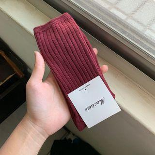 🚚 酒紅色長襪 購買本店褲子可以贈送