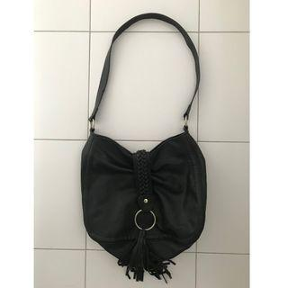 🚚 Black Tassel Bag
