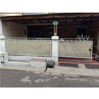Dijual Rumah di Jembatan 4, Pondok Timur Indah - Bekasi