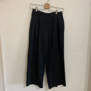🚚 Bershka 黑色寬褲