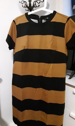 H&M Women strip dress M size