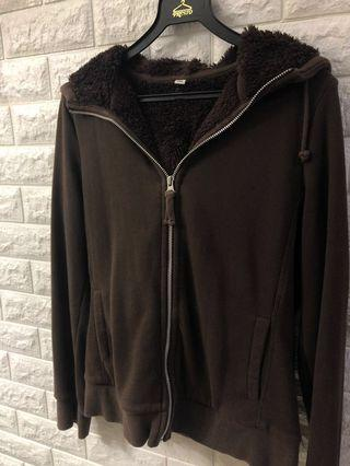 🚚 UNIQLO brown zip up jacket/hoodie