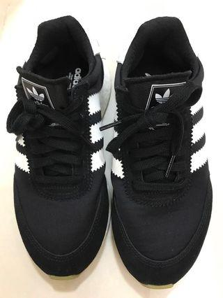 Adidas 波鞋黑白色 size 37.5 /US5