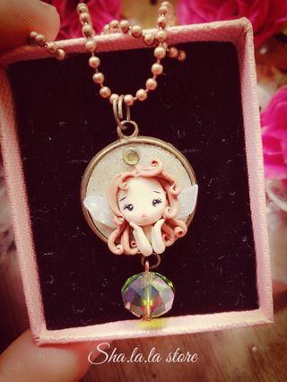 🚚 🌼 Cute little fairy pendant
