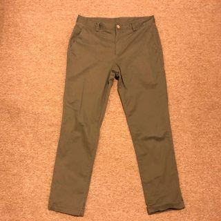 Plain me 棉質磨毛彈性合身長褲 軍綠色 M號 COP1615 Plain-me 版型同1616