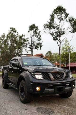 Nissan Navara 2.5 L Turbo Diesel LE Edition