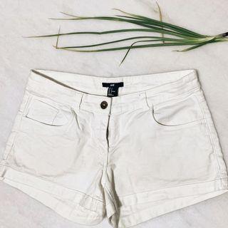 🚚 H&M White Shorts