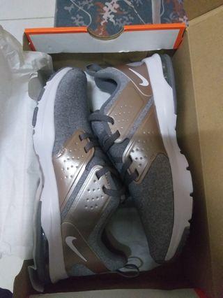 Sepatu nike air bella tr women running shoes
