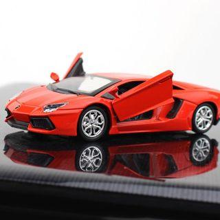 🚚 Car Toy Figurine