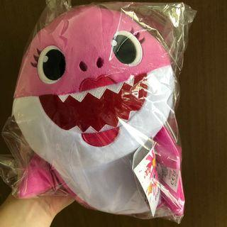 🚚 Bnwt pinkfong mommy shark plush with song