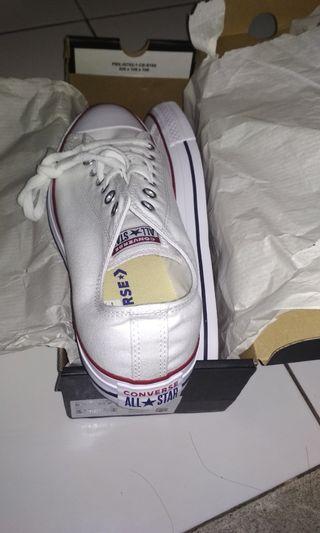 Sepatu convers asli