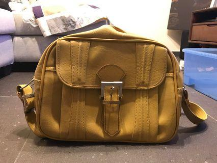 American luggage 斜揹袋