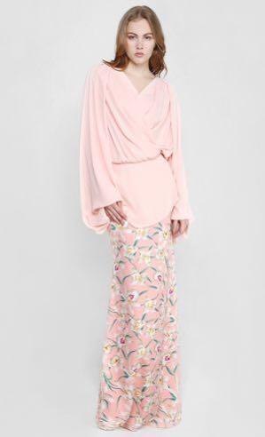 🚚 Nurita Harith Gemma Blouson Top with Print Skirt Dusty Pink