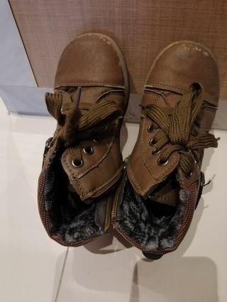 Boys Boot Size 31 [ 4 to 6 yrs old]