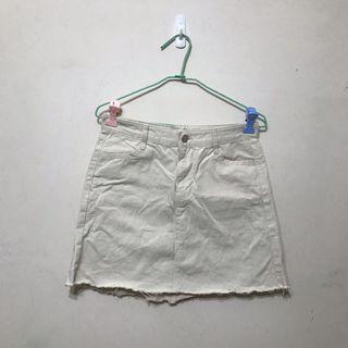 🚚 帆布白色短裙