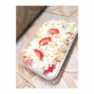 Salad buah 25 rb saja 650 ml. Langsung cek ig@sunnykitchen11