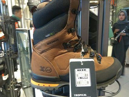 Sepatu eiger 1.4jt jadi 850rb