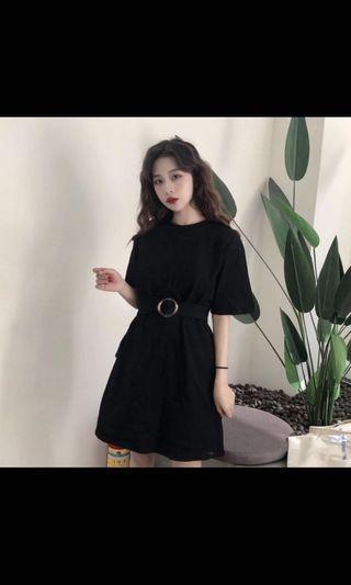 🚚 Black cinched dress belted