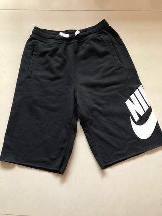🚚 Nike男童短褲