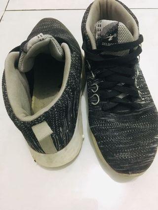 #bapau sepatu snekers