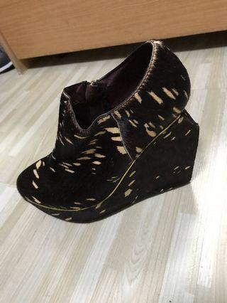 Designer Platform Flatform Brown Calf Hair Shoes 設計型格深啡高踭鞋