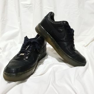 reputable site 4dabf cc618 Nike Air Force 1  82 Men s Low Black Leather Sneakers Size 8.5