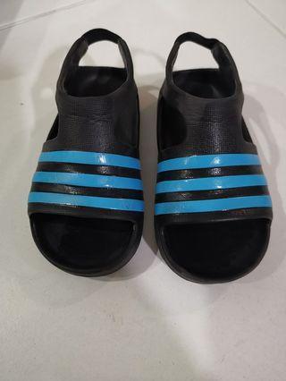 🚚 Adidas scandal (black/blue)