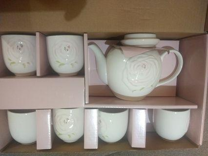 🚚 「降價囉」伊莎貝爾六杯茶具組
