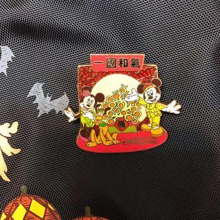 [平郵+$3.7][難找]新年徽章 舊pin 迪士尼徽章pin disney pin trading 迪士尼襟章 米奇 米妮
