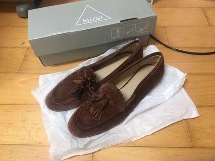 🚚 燈芯絨樂福鞋 Loafer shoes