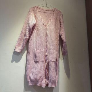 🚚 嫩粉色粗針織厚毛衣長版外套