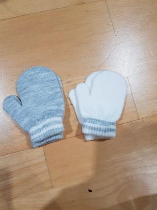 Early Days baby winter glove x 2