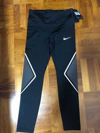 🚚 Nike Women's Black Tights