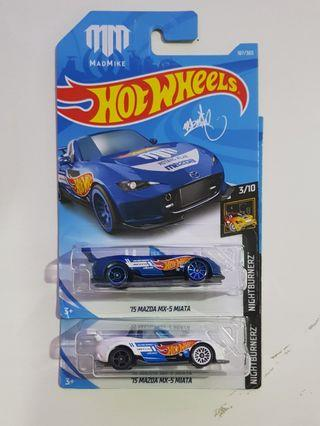 Hot Wheels Mazda MX-5 miatas set of 2