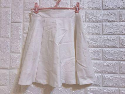 🚚 正韓貨白色鬆緊短裙