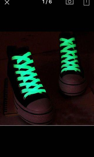 🚚 Glow in the dark shoe laces