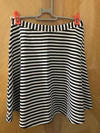 日本牌子Murua 黑白間條裙